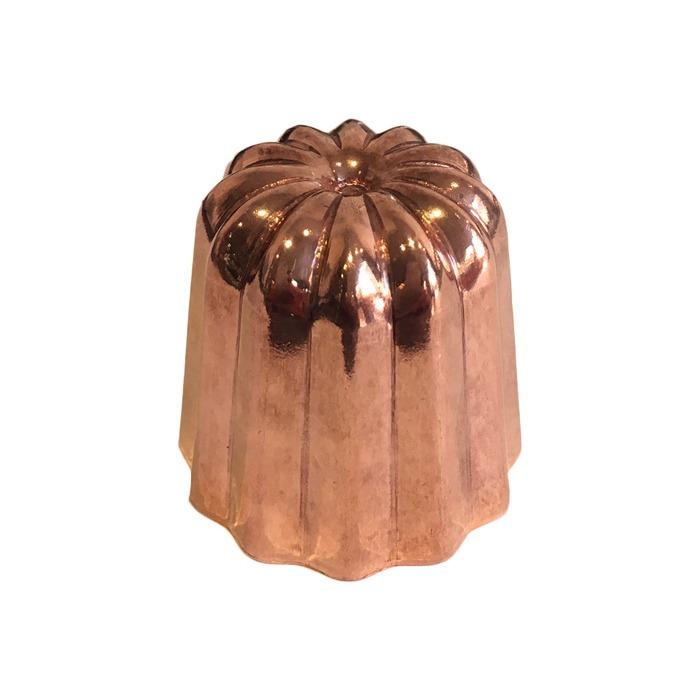 Moule à cannelé en cuivre étamé poli, cassonade bordeaux